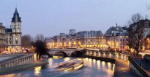 Seine-nuit-|-740x380-|-©-Thinkstock