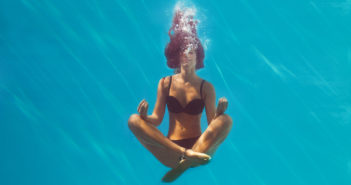 aqua-yoga-for-back-pain_ft