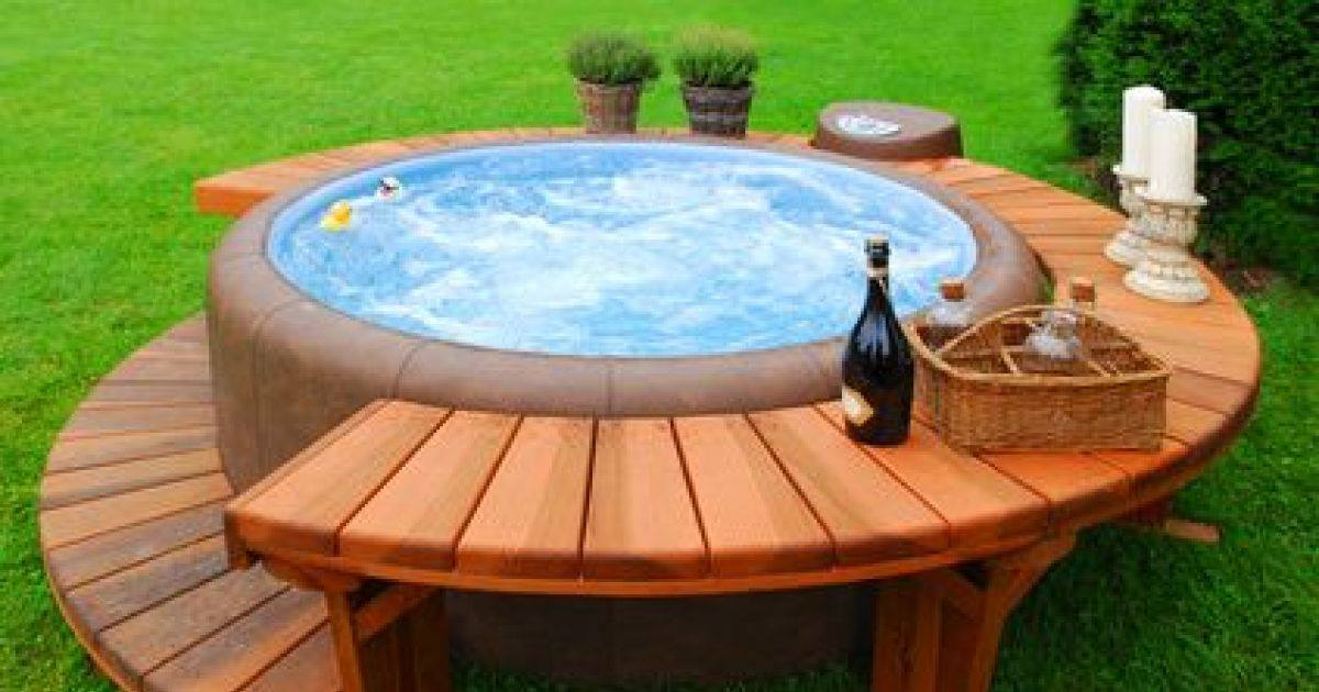 l installation d un spa jacuzzi dans votre jardin mopcom. Black Bedroom Furniture Sets. Home Design Ideas