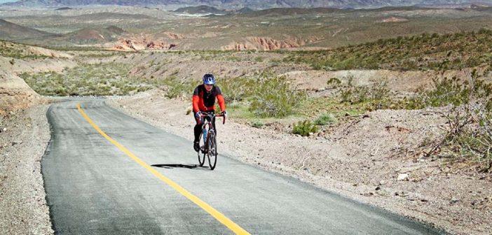 Comment se comporter lorsque l'on voyage seul à vélo ?