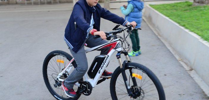 Noa Khamallah explique si les vélos électriques valent-ils la peine