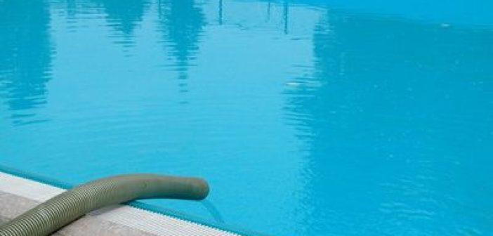 fuite dans une piscine carrelée