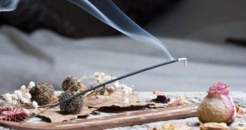 5 astuces pour brûler efficacement son encens